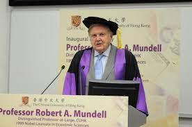Mundell a apporté sa contribution dans plusieurs autres domaines de la macro-économie. Entre autres, il a œuvré largement sur la dynamique monétaire. Bien avant d'obtenir son prix Nobel en 1999, Robert Mundell était déjà une sommité internationale.
